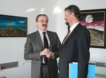 RCC Secretary General, Hido Biscevic (left), meets Member of the German Bundestag and Minister of State at the Foreign Office of the Federal Republic of Germany, Gernot Erler, at the RCC Secretariat headquarters, Sarajevo, BiH, 10 March 2009. (Photo RCC/Selma Ahatovic-Lihic)