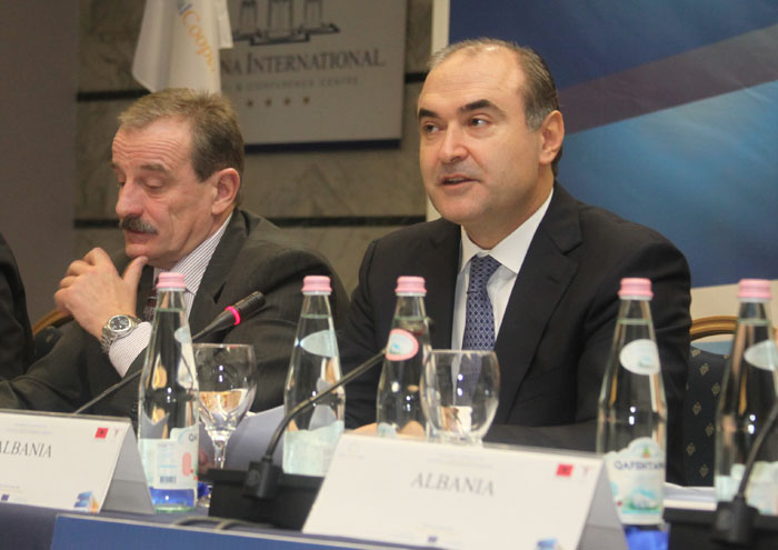 RCC Secretary General, Hido Biscevic (left), and Edmond Haxhinasto, Albanian Deputy Prime Minister and Minister of Economy, Trade and Energy , at the ministerial conference of the RCC's South East Europe Investment Committee , in Tirana, Albania, on 9 November 2012. (Photo: RCC)