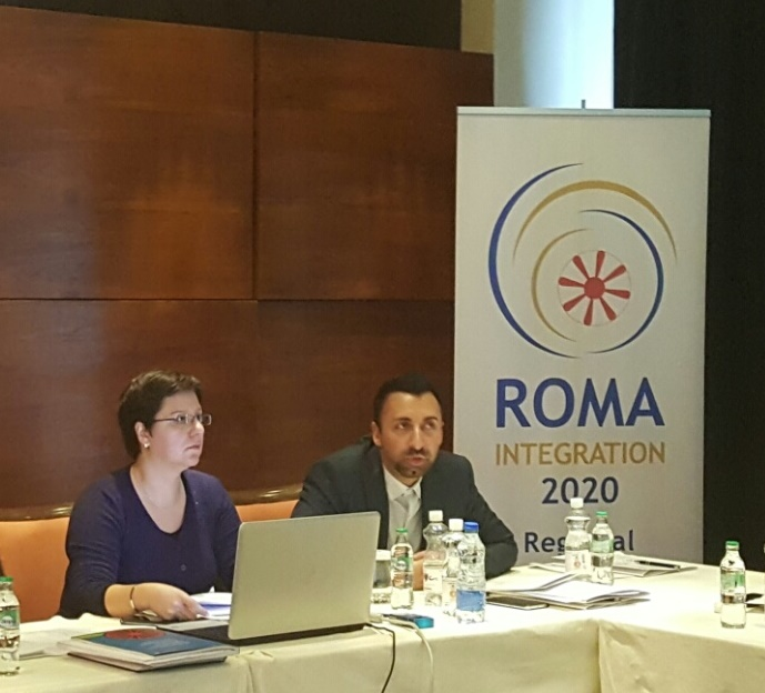 Aleksandra Bojadjieva, Policy Expert and Orhan Usein, Orhan Usein, Team Leader of the Roma Integration 2020 Action Team at the public dialogue forum organised by the Roma Integration 2020 project of the Regional Cooperation Council (RCC) in cooperation with the Ministry of Human Rights and Refugees of Bosnia and Herzegovina (BH), held in Sarajevo on 7 November 2016. (Photo: RCC/Rada Krstanovic)