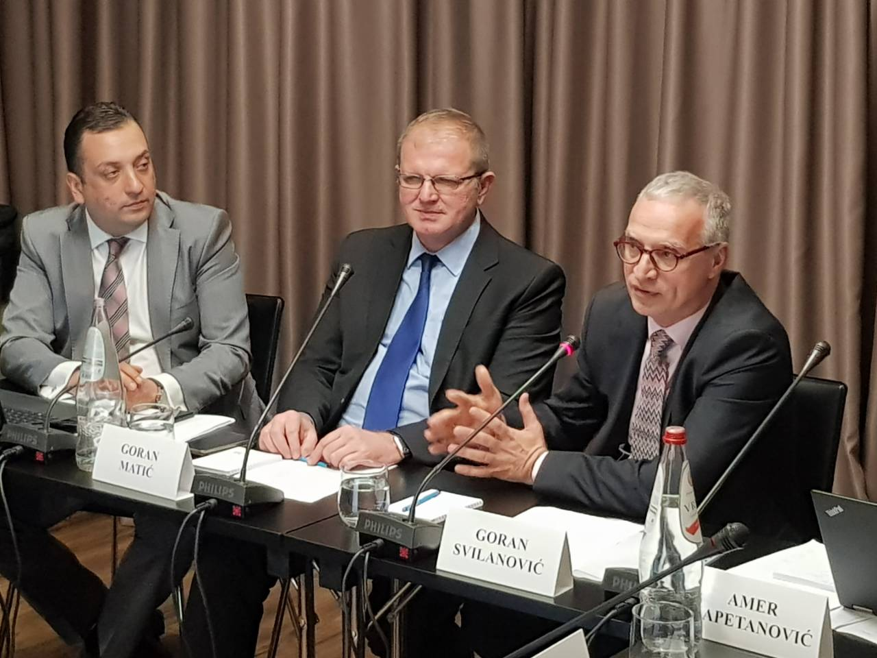 Opening remarks of the RCC Secretary General Goran Svilanovic (first on the right) at Regional Expert Conference and Workshop on Countering Online Radicalisation, Belgrade, 17-18 April 2018 (Photo: RCC/Natasa Mitrovic)