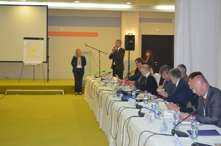Participants of the international roundtable on water and energy nexus in transboundary basins in South East Europe agree to intensify cooperation on integrated water resources management, Sarajevo, 6-8 November 2013 (Photo: Anna Maria Papaioannou/ GWP-Med)
