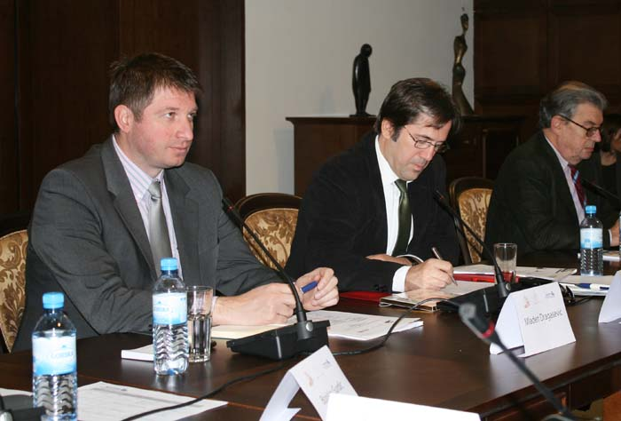 Mladen Dragašević (first left), Head of the RCC Secretariat's Building Human Capital Unit, Wenceslas de Lobkowicz (first right), Advisor for Cultural Heritage in the European Commission's Directorate General for Enlargement, and Borče Nikolovski, Chair of the RCC Task Force on Culture and Society (TFCS), at the opening of the fourth meeting of the RCC's TFCS, in Skopje, on 12 November 2012. (Photo: RCC/Selma Ahatovic-Lihic)