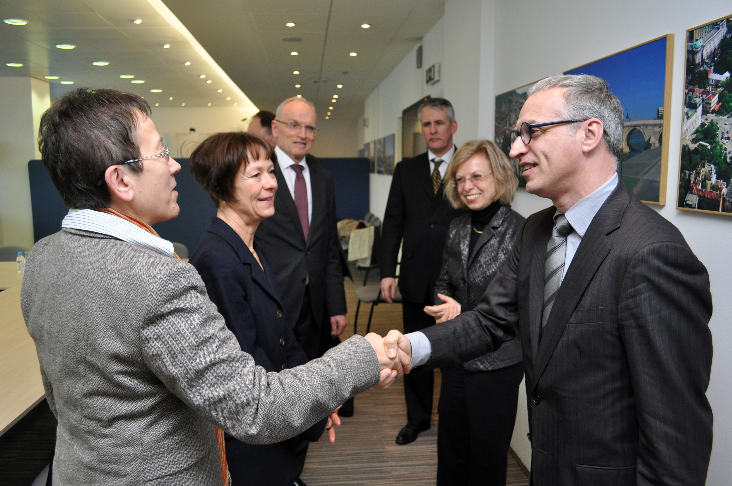 Goran Svilanovic, RCC Secretary General (right), welcomes German ambassadors from the Western Balkans region at the RCC premises, Sarajevo, 11 March 2013. (Photo: RCC/Nedim Grabovica)