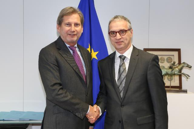RCC Secretary General Goran Svilanovic (R) and the Commissioner for the European Neighbourhood Policy and Enlargement Negotiations, Johannes Hahn (Photo: European Commission Audiovisual services)