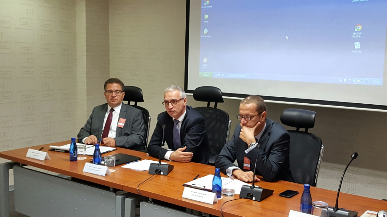 RCC Secretary General, Goran Svilanović (centre), Director of the NSA of Montenegro, Savo Vučinić (right), and Senior RCC Advisor on Security Policy Issues, Marinko Raos, at the 6th SEENSA Forum, in Podgorica on 29 September 2016. (Photo: RCC/Natasa Mitrovic)