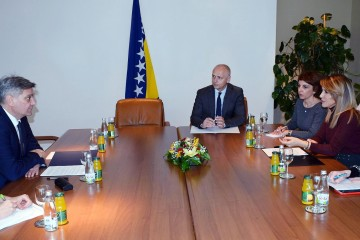 RCC Secretary General Majlinda Bregu met Chairman of Bosnia and Herzegovina Council of Ministers Denis Zvizdić in Sarajevo on 12 March 2019 (Photo: Courtesy of the Office of the Council of Ministers)