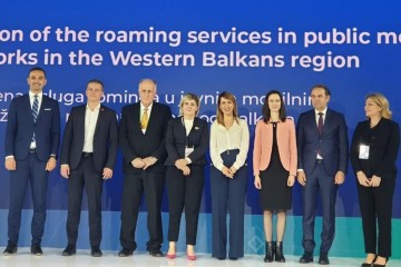 The signing of the Regional Roaming Agreement for the Western Balkans at second Digital Summit in Belgrade on 4 April 2019 (Photo: RCC)