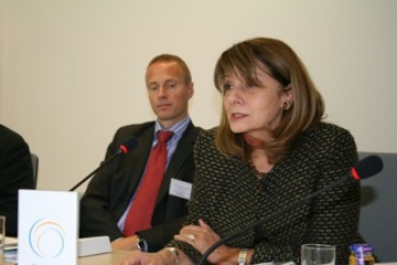 Deputy  RCC Secretary General, Jelica Minic (right), and the Head of Unit in the EC Regional Programmes Department, Yngve Engstrom (left) at the presentation of the report on ways to increase competitiveness in the Western Balkans, Sarajevo, 10 October 2008. (Photo RCC/Selma Ahatović-Lihić)