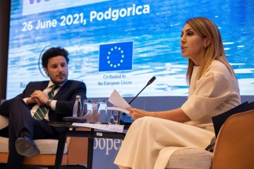 Majlinda Bregu, Secretary General of the RCC with Dritan Abazovic, Deputy Prime Minister of Montenegro at the meeting of Western Balkans ICT Ministers in Podgorica, 25 June 2021 (Photo: RCC/Samir Lacevic)