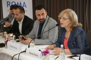 RCC' Roma Integration 2020 (RI2020) Action Team Leader, Orhan Usein (left) and Merita Xhafaj, General Director for Social Policies at the Ministry of Social Welfare and Youth and National Roma Contact Point (right) at the opening of the Public Dialogue Forum in Tirana on 23 May 2017. (Photo: Artemis Hajdini)