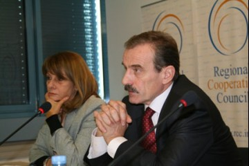RCC Secretary General, Hido Biscevic (right),  and Deputy Secretary General, Jelica Minic (left), at the meeting of the RCC Board, Sarajevo, 6 October 2008. (Photo RCC/Selma Ahatović-Lihić)