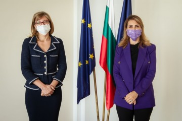 Preparations for Western Balkans Sofia Summit are continuing. RCC Secretary General Majlinda Bregu with Ekaterina Zaharieva, Deputy Prime Minister for Judicial Reform and Foreign Affairs Minister of Bulgaria in Sofia on 23 October 2020 (Photo: Courtesy of MFA Bulgaria)