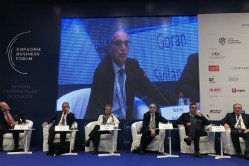 Regional Cooperation Council's (RCC) Secretary General Goran Svilanovic moderated a panel titled 'Western Balkans - challenges: Regional economic area?' at the 25th edition of the Kopanonik Business Forum, at Kopaonik on 5 March 2018. (Photo: RCC/Dragana Djurica)