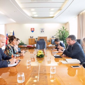 RT: @MiroslavLajcak - With @MajlindaBregu of Regional Cooperation Council discussing one of #Globsec2019 main themes: Western Balkans – reforms, current state of play, EU perspective.
