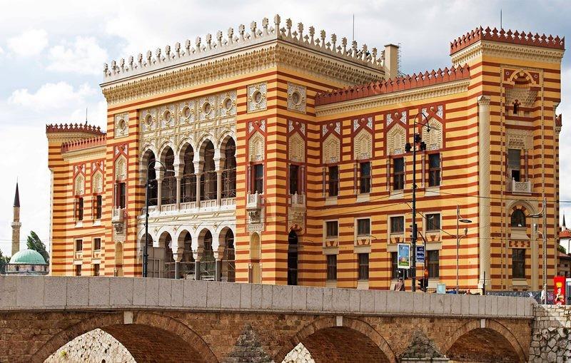 Sarajevo City Hall. (Photo: www.sarajevotimes.com)