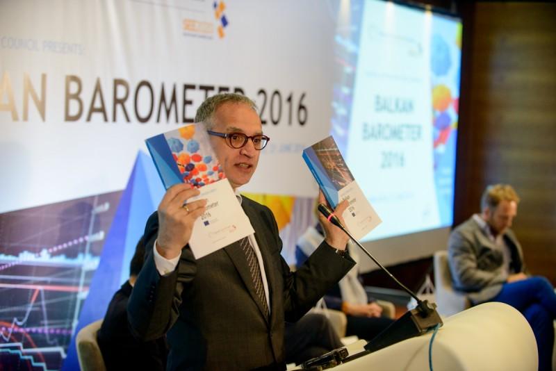 RCC Secretary General, Goran Svilanovic, at the presentation of the RCC's Balkan Barometer 2016 survey, in Sarajevo on 21 June 2016. (Photo: RCC/Amer Kapetanovic)