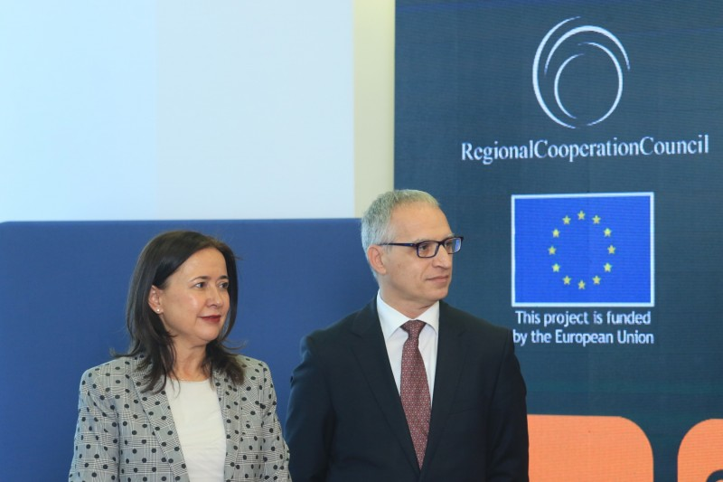 Genoveva Ruiz Calavera, Director for the Western Balkans at the European Commission's Directorate-General for European Neighbourhood Policy and Enlargement Negotiations and Goran Svilanovic, Secretary General of the Regional Cooperation Council at the First Grant Award Ceremony of the Tourism Development and Promotion Project, in Sarajevo on 9 November 2018 (Photo: RCC/Armin Durgut)