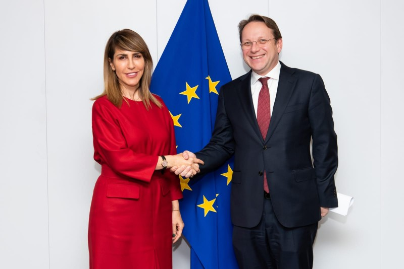 RCC Secretary General Majlinda Bregu met with EU Commissioner for Neighbourhood and Enlargement Oliver Varhelyi, in Brussels on 30 January 2020, to talks about enhancing regional cooperation in the Western Balkans and further connecting the economies of the region among themselves and with the EU (Photo: Courtesy of the European Comission)