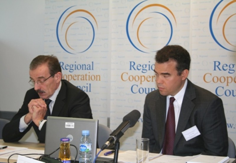 RCC Secretary General Hido Biscevic (left) and OECD Principal Administer Alistair Nolan (right) at the kick-off preparation meeting of the Southeast Europe Investment Reform Index 2009, Sarajevo, 16 September 2008. (Photo RCC/Selma Ahatović-Lihić)
