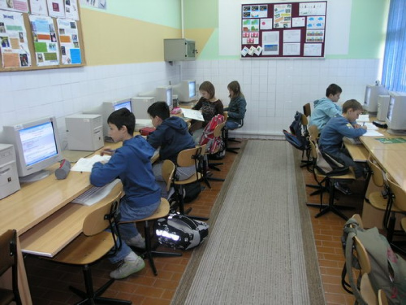 Development of Information Society contributes significantly to improving the quality of life in South East Europe (Photo: www.skole.hr)