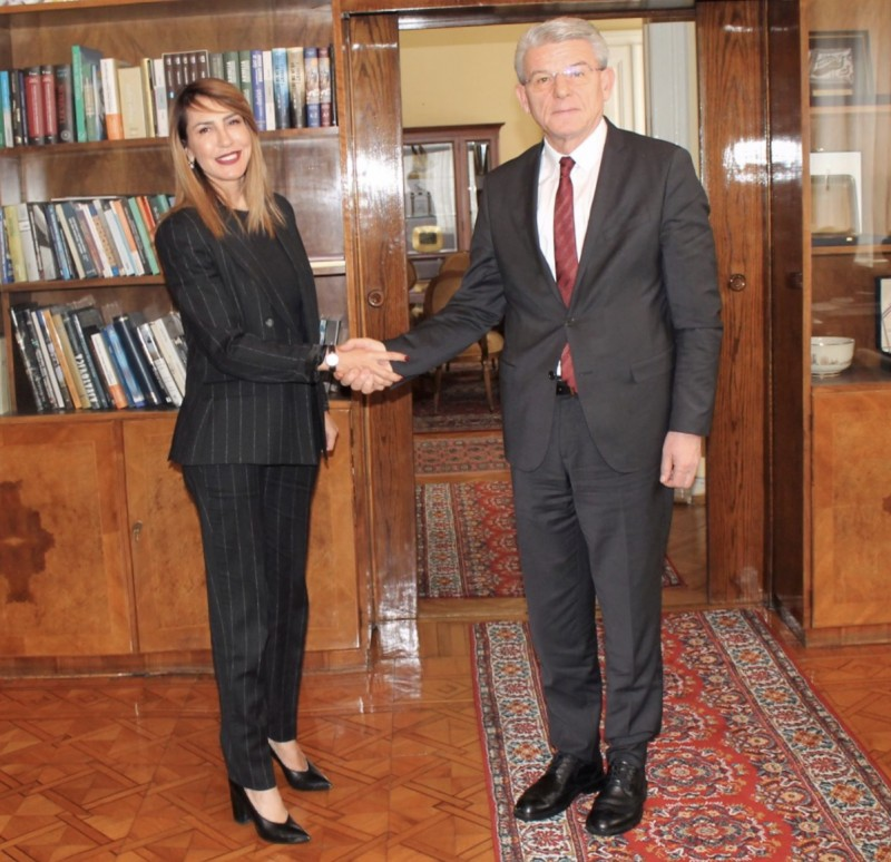 RCC Secretary General, Majlinda Bregu, meets Sefik Dzaferovic, one of the three members of Presidency of Bosnia and Herzegovina, on 9 January 2019 in Sarajevo. (Photo: Courtesy of the Presidency of Bosnia and Herzegovina)