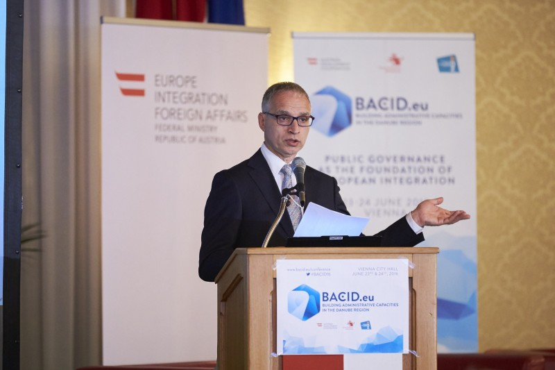"RCC Secretary General, Goran Svilanovic,  speaking at the ""Public Governance as the Foundation of European Integration"" conference in Vienna on 23 June 2016. (Photo: KDZ Austria)"