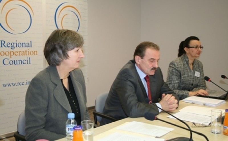 RCC Secretary General, Hido Biscevic (centre), UNDP Resident Representative and UN Resident Coordinator, Christine McNab (left), and Chair of the eSEE Initiative, Diana Simic, at the meeting of the eSEE Working Group and the eSEE Taskforce, Sarajevo, 27 October 2008 (Photo RCC/Selma Ahatovic-Lihic)