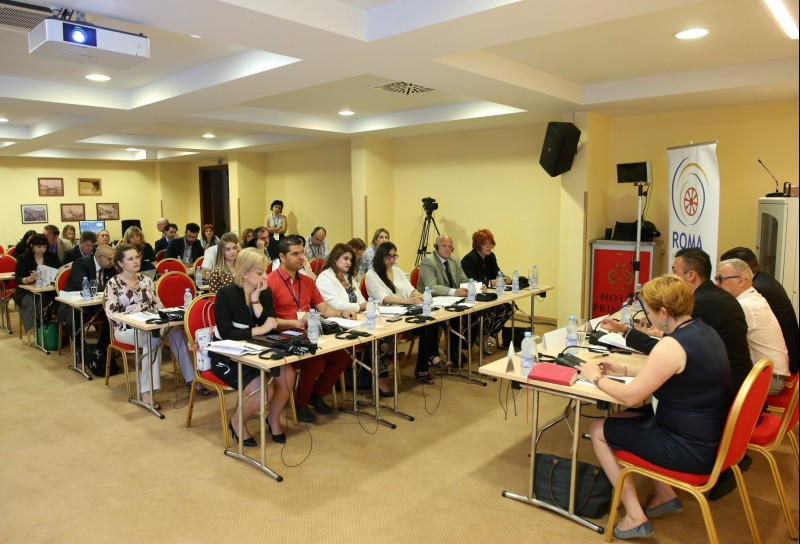 "Participants of the ""Holistic Approach to Housing for Roma in the Enlargement Region"" conference, organized by the Regional Cooperation Council (RCC)'s Roma Integration 2020 (RI2020) Action Team, in Bar (Montenegro), on 31 May 2018. (Photo: RCC/Radonja Srdanovic)"