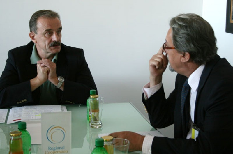 RCC Secretary General, Hido Biscevic (left), welcomes Montenegrin Deputy Minister of Foreign Affairs, Nebojsa Kaludjerovic, at the RCC premises in Sarajevo, 29 July 2010. (Photo RCC/ Selma Ahatovic-Lihic)