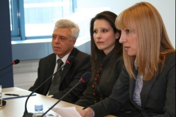 RCC Spokesperson, Dinka Živalj (right), INA Academy Director, Despina Anastasiadou (centre), and Counsellor for Economic and Commercial Affairs at the Greek Embassy in BiH, Georgios Mergimis, at the workshop on eGovernment, RCC Secretariat, Sarajevo, BiH, 2 April 2009. (Photo RCC/Selma Ahatovic-Lihic)