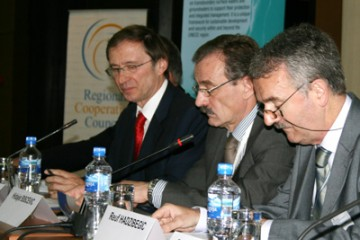 RCC Secretary General Hido Biscevic (centre) at the opening of the International Workshop on Integrated Transboundary Water Resources Management in South Eastern Europe, Sarajevo, BiH, 18 May 2009. (Photo RCC/Selma Ahatovic-Lihic)
