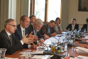 RCC Secretary General, Goran Svilanovic briefing the Austrian parliamentarians on the SEE 2020 Strategy in Vienna, 8 May, 2015 (Photo: RCC/Sanjin Arifagic)