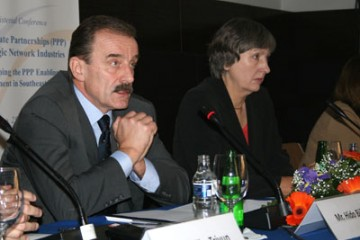 RCC Secretary General, Hido Biscevic (left), and UNDP Resident Representative, Christine McNab, at the opening of the ministerial conference on public private partnerships in Sarajevo, Bosnia and Herzegovina, 25 September 2009. (Photo RCC/Selma Ahatovic-Lihic)