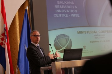 RCC Secretary General, Goran Svilanovic, gives opening remarks at the ministerial conference launching Western Balkans Research and Innovation Centre, in Split, Croatia, on 18 September 2015. (Photo: RCC/Elvira Ademovic)