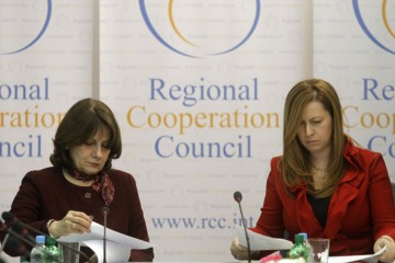 Deputy RCC Secretary General, Jelica Minic (left), and Member of the EP's Committee on Foreign Affairs, Anna Ibrisagic, opened a two-day seminar on the role of parliaments in the legislative process and in the government oversight in Western Balkans, 23 February 2011, Sarajevo, BiH. (Photo RCC/Dado Ruvic)
