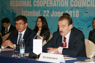 RCC Secretary General, Hido Biscevic (right), with the Minister of Foreign Affairs of Turkey, Ahmet Davutoğlu, at the second RCC annual meeting, held on 22 June 2010 in Istanbul, Turkey. (Photo RCC/Dinka Zivalj)