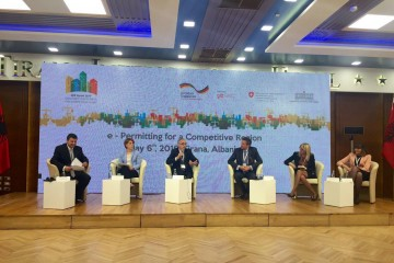 "RCC Secretary General, Goran Svilanovic (second left), takes part in the 2nd  International Conference on ""E-Permitting for a Competitive Region"", in Tirana on 6 May 2016. (Photo RCC/Dragana Djurica)"