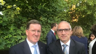 RCC Secretary General, Goran Svilanovic (right), with the 10th NATO Secretary General, Lord George Islay McNeil Robertson, at the 2018 Western Balkans Summit, on 10 July 2018 in London. (Photo: RCC)